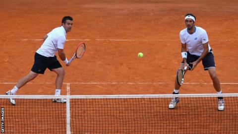 What comprises a match in tennis think, that