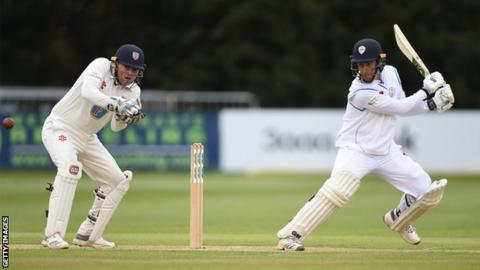Wayne Madsen (right) plays a shot for Derbyshire