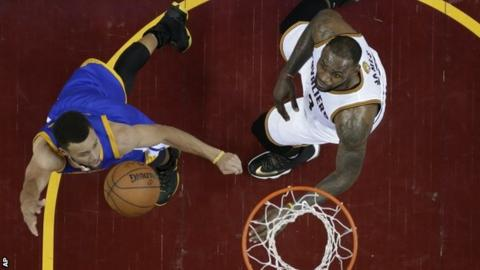 Stephen Curry (left) and LeBron James