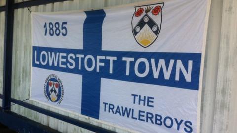 Lowestoft Town flag