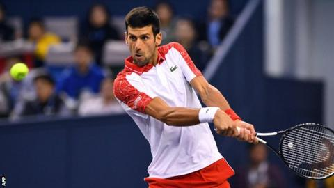 Djokovic wins in Shanghai, inches closer to top spot