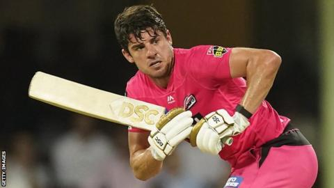 Moises Henriques in action for Sydney Sixers