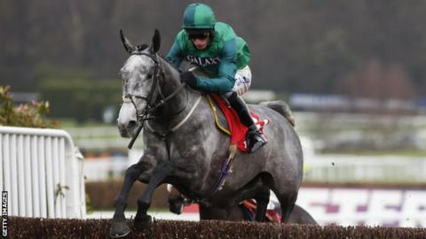 Might Bite lands King George VI chase at Kempton