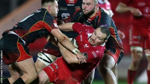 Ken Owens played his first professional game at hooker in the 5 January Pro14 win over Dragons