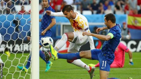 Morata scores