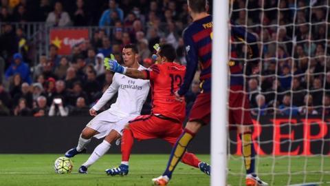 88ec557adb3fb Barcelona 1-2 Real Madrid - BBC Sport