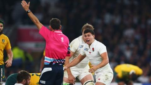 Ben Youngs reacts to a referee's decision in the 2015 World Cup pool stage defeat by Australia