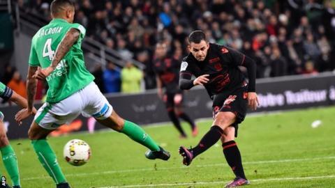 Valentin Eysseric scores for Nice v Saint-Etienne