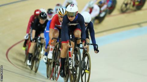 Laura Kenny in action in the omnium at Rio 2016