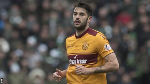 Stephen Hendrie in action for Motherwell