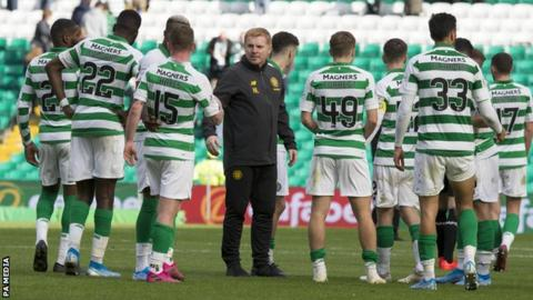 Celtic manager Neil Lennon addresses his players at full-time