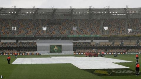 Covers on at the Gabba
