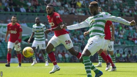 Moussa Dembele scores Celtic's second goal
