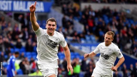 Sam Vokes celebrates scoring the winning goal