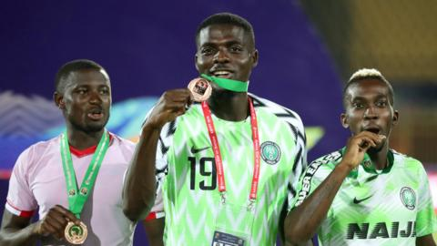 Nigeria players with medals