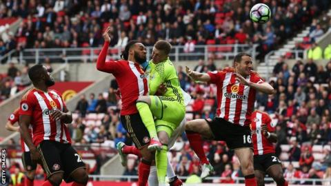 Sunderland concede against Swansea