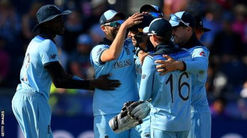 England celebrate taking a wicket against New Zealand