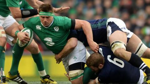 Six Nations: Ireland dispatch Scotland to set up Grand Slam