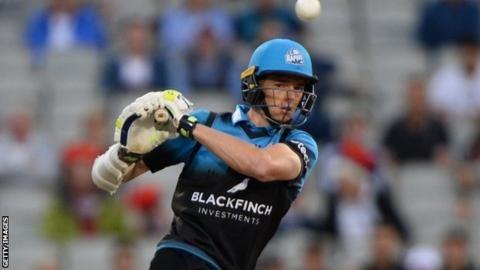 Mitchell Santner was Worcestershire's leading Twenty20 wicket taker last season with 13