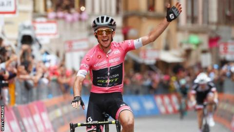 Simon Yates strengthens Giro d'Italia hand with stage 11 victory