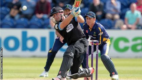 Luke Wright hits out against Glamorgan