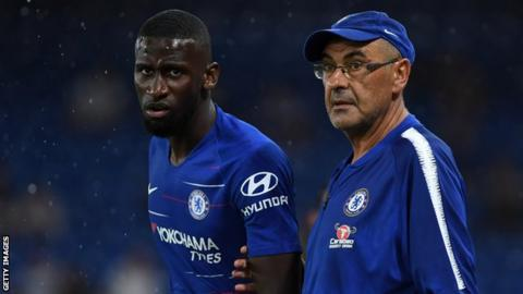 Antonio Rudiger and Maurizio Sarri on the touchline