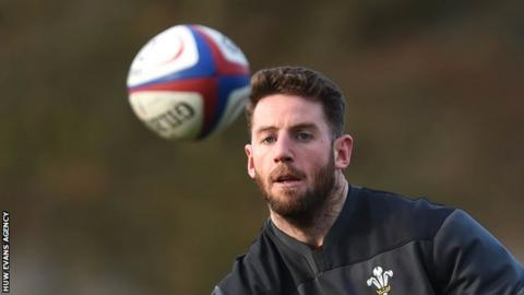 Alex Cuthbert prepares to take a pass in Wales training
