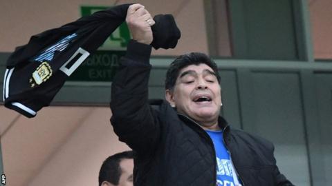 Messi, Mascherano to pick Argentina's team