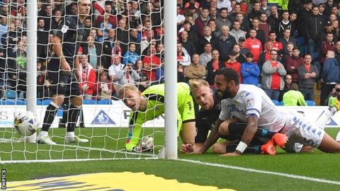 Kyle Bartley scores for Leeds