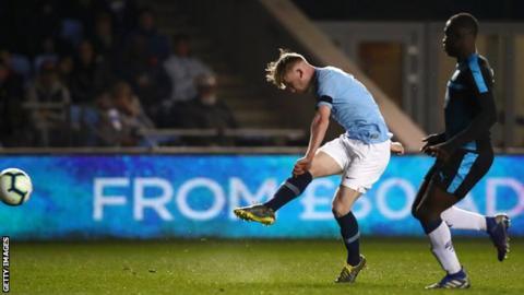 Tommy Doyle scores