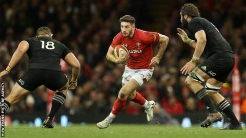 Owen Williams played at inside centre for Wales in the autumn rather than in his Gloucester fly-half role