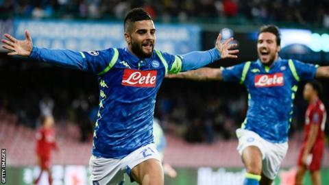 Lorenzo Insigne celebrates