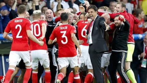 Wales players celebrate Hal Robson-Kanu's wonderfully-taken goal