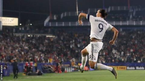 Ibrahimovic scores twice, Galaxy beat Toronto FC
