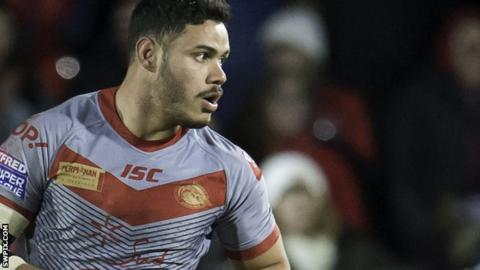 Brayden Wiliame in action for Catalans Dragons