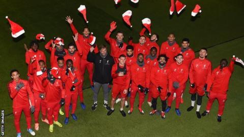 Liverpool pose for Christmas photo