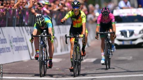 Letizia Borghesi beats Nadia Quagliotto during stage four of the 2019 Giro Rosa