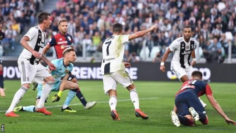 Ronaldo scores but Genoa hold Juventus
