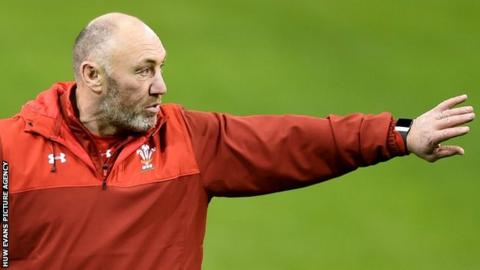 Robin McBryde issues instructions during a Wales training session