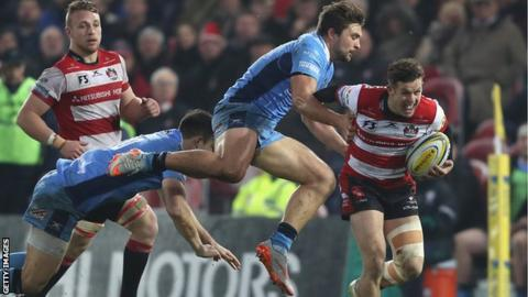 Billy Burns breaks away for a try for Gloucester against London Irish