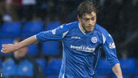 St Johnstone midfielder Murray Davidson