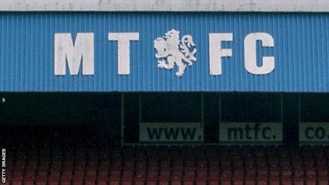 Macclesfield sign Grimsby's Browne on loan