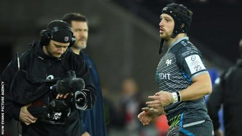 Dan Evans leaves the field after being dismissed after 37 seconds of Ospreys' Champions Cup match against Racing 92