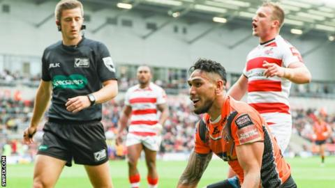 Jesse Sene-Lefao scores for Castleford