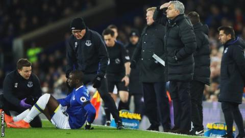 Everton's Yannick Bolasie was replaced by Enner Valencia