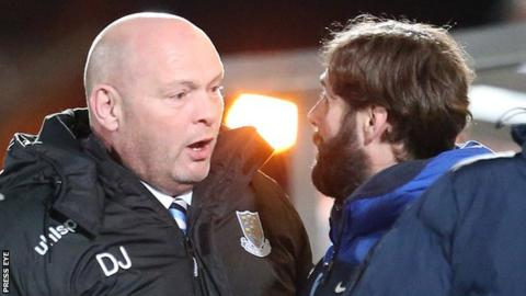 David Jeffrey talks to Glenavon manager Gary Hamilton during Tuesday's game at the Showgrounds