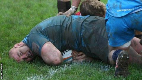 Nick Selway goes over for a try