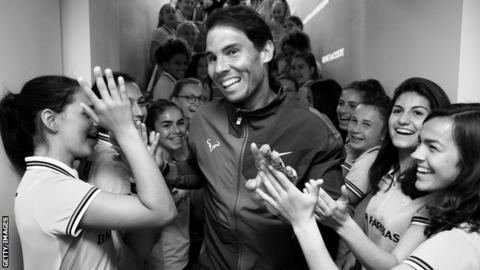 Rafael Nadal (centre)