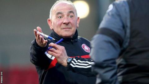 Reds boss Tommy Breslin has added a goalkeeper to his squad