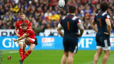 Leigh Halfpenny kicking one of his six penalties against France in the 2017 Six Nations match in Paris.